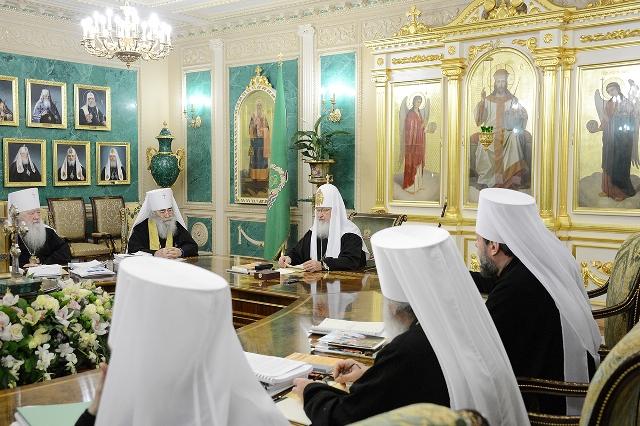 Священный Синод принял решения по актуальным вопросам церковной жизни