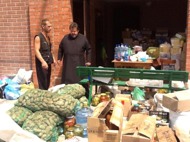 Церковь продолжает активно помогать пострадавшим от наводнения в Крымске