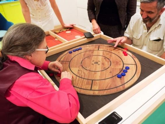 Настольные игры для слепоглухих людей