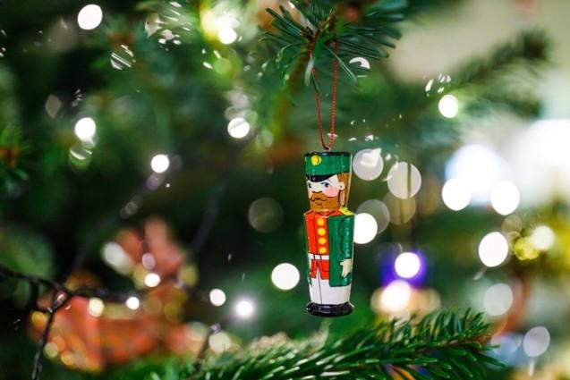 Новогодняя елка фонда «Линия жизни» вновь стала символом праздника в отеле «Балчуг Кемпински Москва»