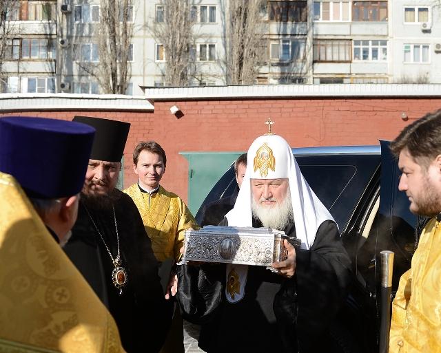 Святейший Патриарх Кирилл совершил молебен в Казанском соборе Волгограда