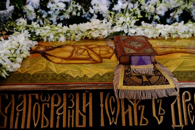 Утренняя Великой Субботы с чином погребения