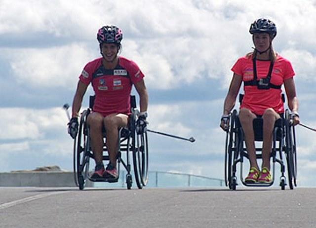 Марит Бьорген провела тренировку в инвалидной коляске