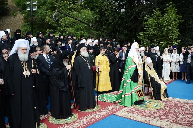 В Киеве на Владимирской горке состоялся торжественный молебен в честь празднования 1025-летия Крещения Руси