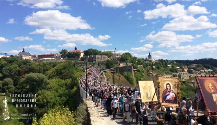 Всеукраинской крестный ход начался от Святогорской Успенской лавры