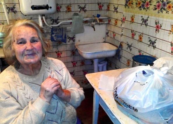 Собираем продуктовые наборы для пенсионеров