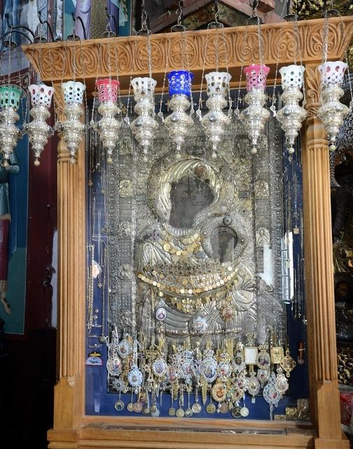 Патриарх поклонился Иверской иконе