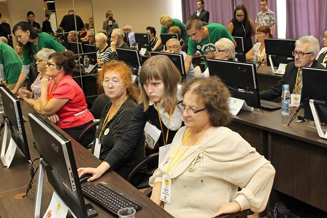 Пенсионеры получат доступ к современным технологиям