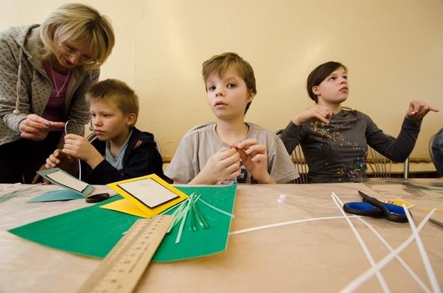 Мастер класс по квиллингу в Детском доме