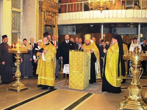 Молебен в Богоявленском соборе в честь дня рождения Главы Дома Романовых