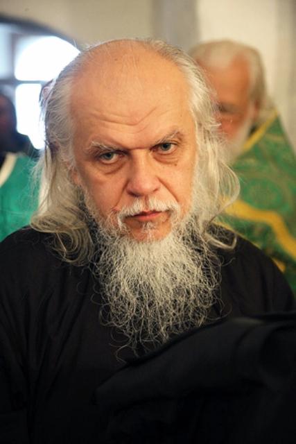 Владыка передал помощь жителям Крымска