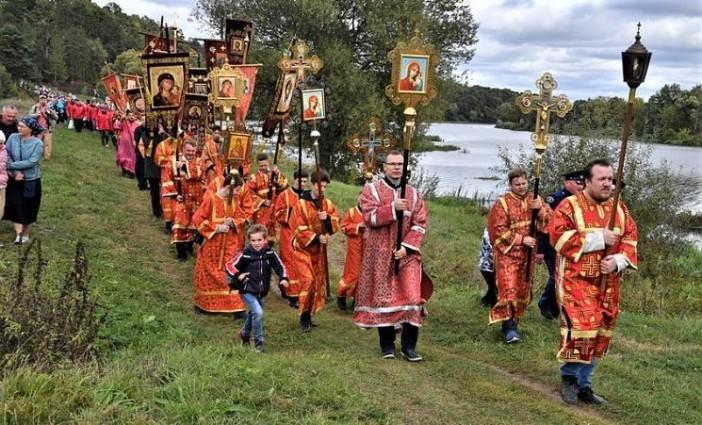 Елисаветинский крестный ход  в «Ильинское-Усово»