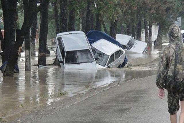 Церковь направила в Крымск 7 машин с гуманитарной помощью