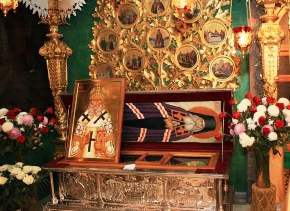 Мощи святителя Луки Войно-Ясенецкого в Донском монастыре