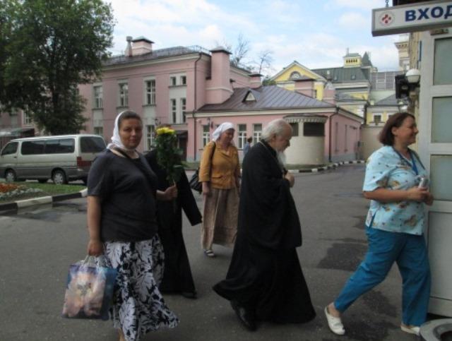 Представители Церкви навестили всех пострадавших в ДТП под Подольском