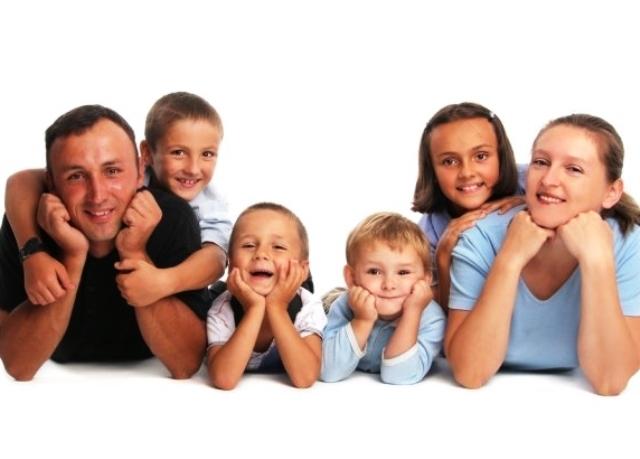 10 способов помочь семьям на приходе