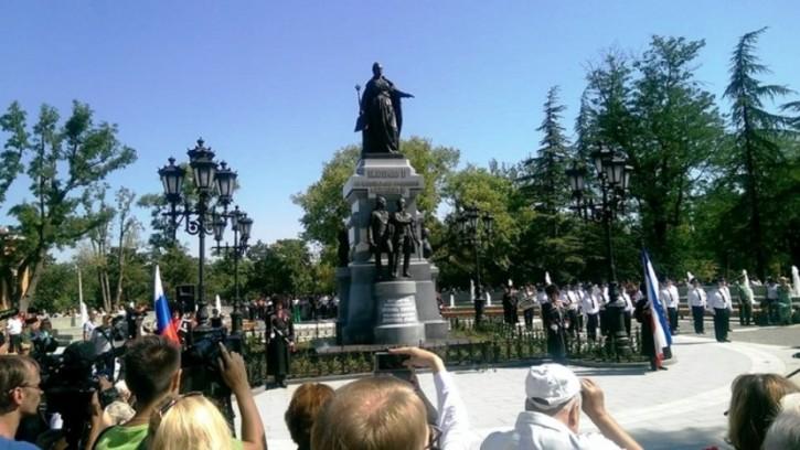 Восстановленный памятник Екатерине II открылся в Симферополе