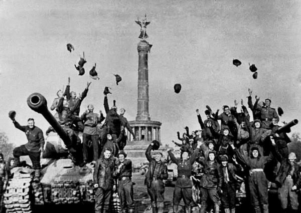 Светлым Праздником великой Победы!