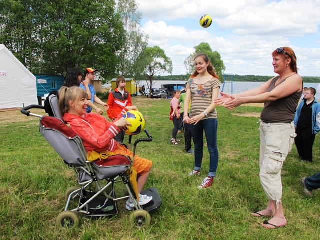 Карнавалы и тренинги на Волжских берегах для ребят с инвалидностью