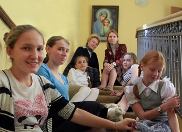 воспитанница Елизаветинского детского дома нашла приемную семью